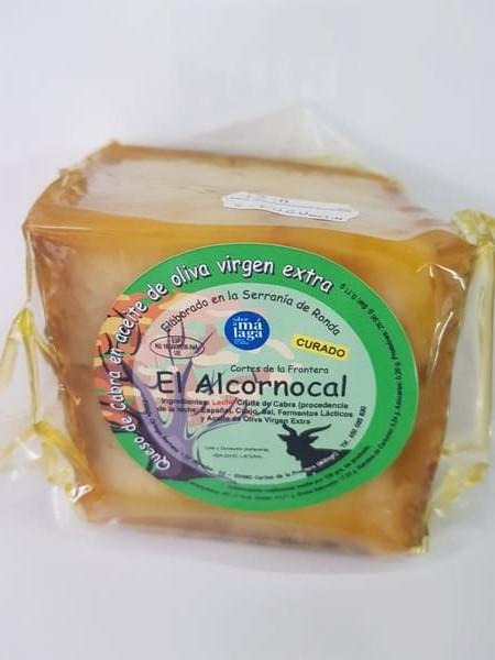 cuña de queso de abra viejo en aceite de oliva